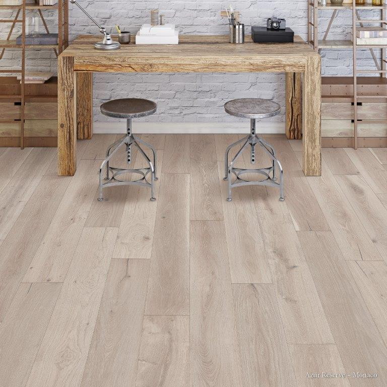 Advantage offers the lowest prices on Hardwood Flooring buy Armstrong, Bruce, Mannington, Mullican Hardwood, Palmetto Road, IndusParquet, Triangulo, Columbia.